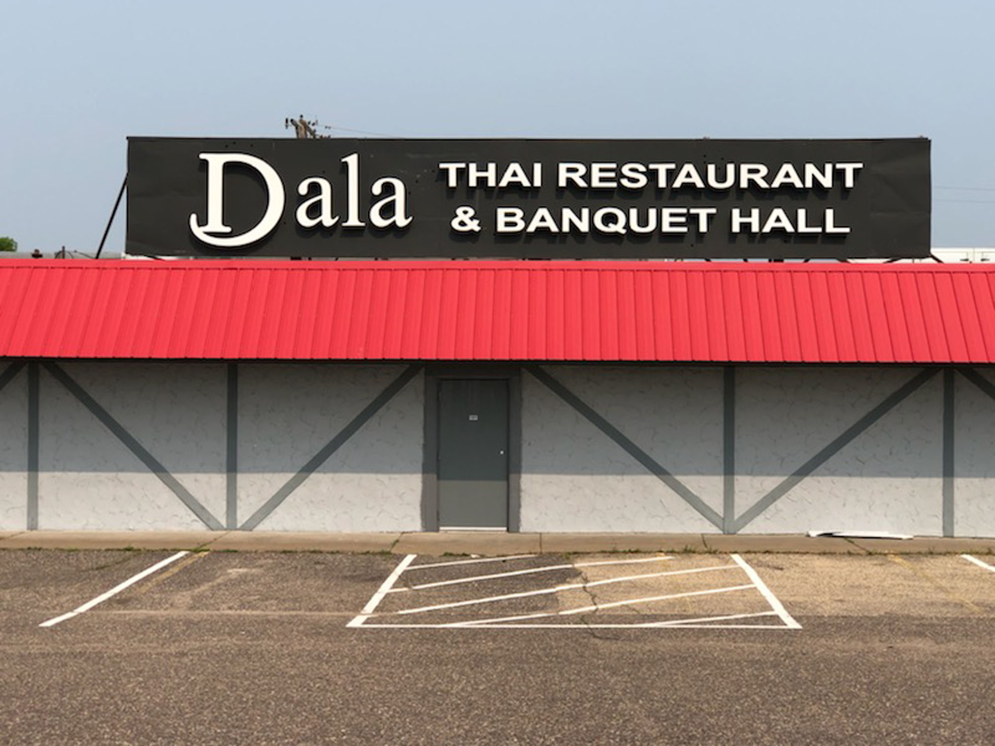 Dala Thai Spring Lake Park, Minnesota Channel letters mounted to aluminum backer White LED illumination - from DeMars Signs Companies near me in the Twin Cities - Minnesota Sign Company
